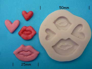 Hearts & Kisses Cupcake Mould