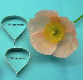 Poppy cutters (small) set of 2